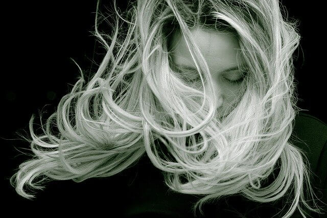 Naisten hiukset