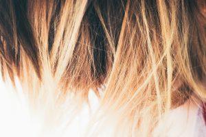 Värjääminen henna hiusväreillä